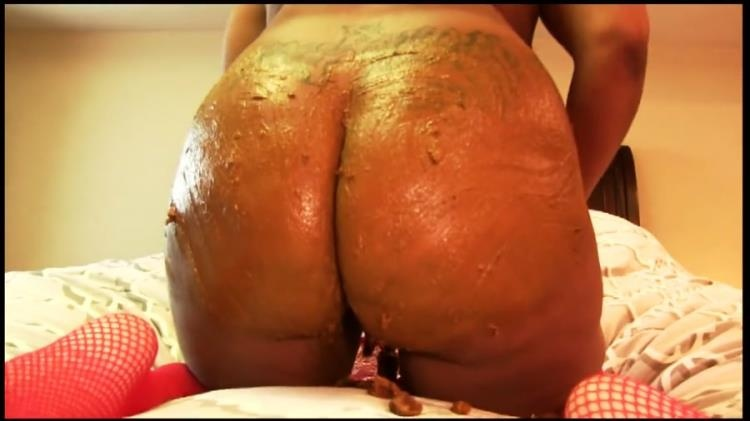 Defecation - Black MILF Huge Ass Rammed While Shitting - HD (2021)